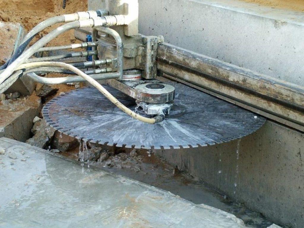 Особливості різання бетону за допомогою канатних установок